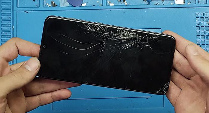Thay màn hình điện thoại samsung chính hãng tại Bình Dương